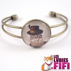 Bracelet chat : chat steampunk et son haut de forme à plumes