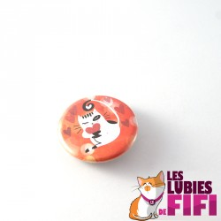 Badge chat : chat et son petit coeur