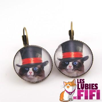Boucle d'oreille chat steampunk : chat et son haut de forme à ruban rouge