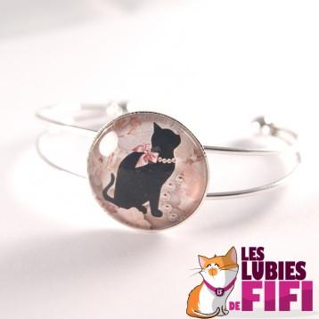 Bracelet chat : chat noir et son collier de perles