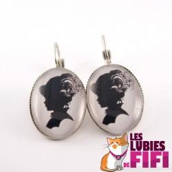 Boucles d'oreille vintage : profil femme vintage