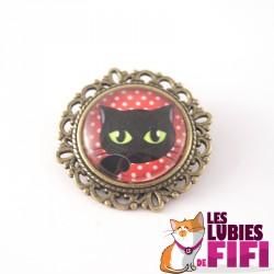 Broche chat : chat noir sur fond rouge à pois