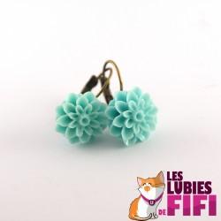 Boucles d'oreille fleurs : dahlias turquoises