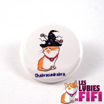 Badge chat : Fifi la magicienne