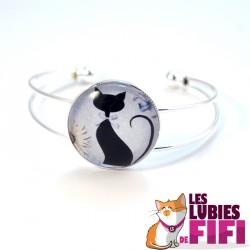 Bracelet chat : le chat noir et sa marguerite