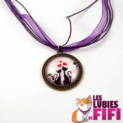 Collier chat : duo de chats amoureux
