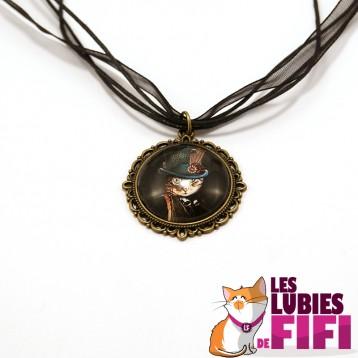 Collier chat steampunk : le chat et son haut de forme à plume