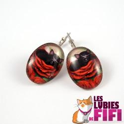 Boucle d'oreille chat : le chat noir et la rose