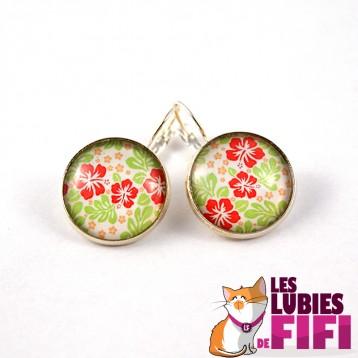 Boucle d'oreille fleurs : fleurs roses