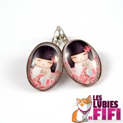 Boucles d'oreille : Kokeshi et sa rose