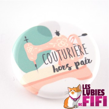Badge couturière hors-pair : version machine à coudre