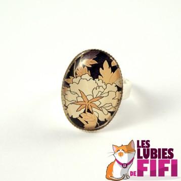Bague fleurs : fleurs japonaises beiges