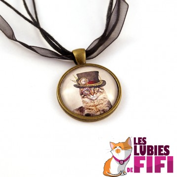 Collier chat steampunk : le chat et son haut de forme à plumes