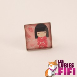 Bague kokeshi : kokeshi et son kimono rouge