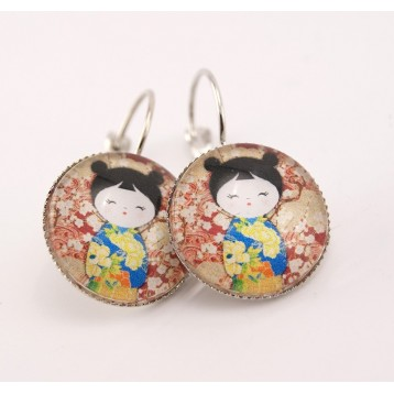 Boucles d'oreille cabochon collection kokeshi : washi n°01