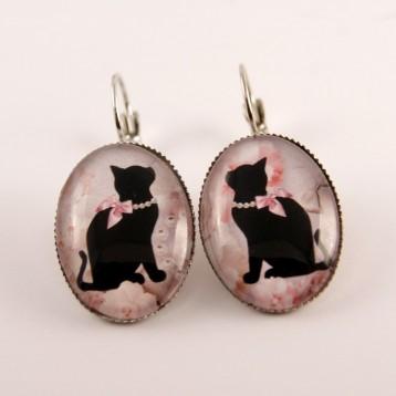 Boucles d'oreille chat : chat noir et son collier de perles